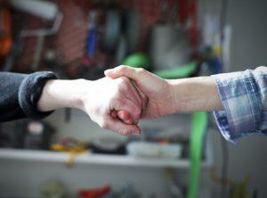 Договор через рукопожатие